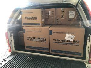 Xe chở bộ lưu điện UPS cho thiêt bị y tế